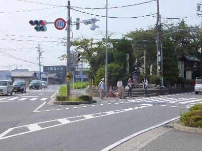 130728日永追分から東海道を歩く07、追分交差点.JPG