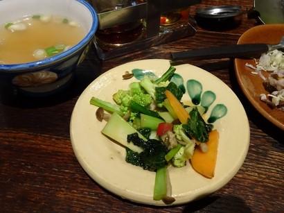 160101タイごはん「ポーヤイ」⑦、おかずとスープ (コピー).JPG