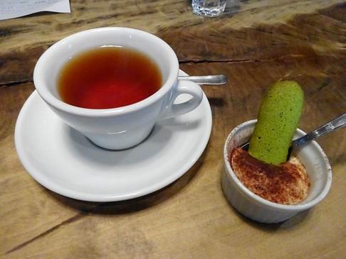 160306イノーヴェ⑧、プティデセールと紅茶 (コピー).JPG