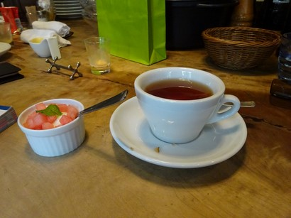 160729イノーヴェ⑥、紅茶とデザート (コピー).JPG