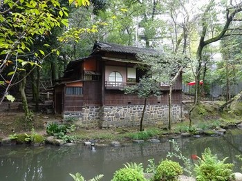 161002揚輝荘北園⑥、茶室「三賞亭」(外観) (コピー).JPG