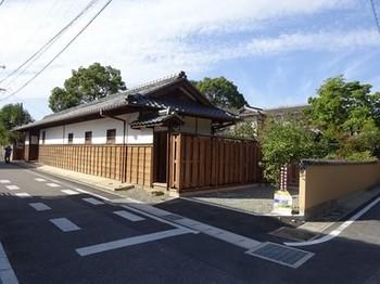 161030寺部、長屋門特別公開と史跡めぐり04 (コピー).JPG