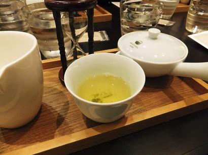 141008茶カフェ深緑茶房⑧、伊勢深蒸し茶(1煎目) (コピー).JPG